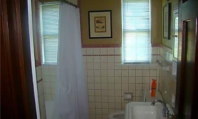 Bathroom, 3554 Central Ave, 2