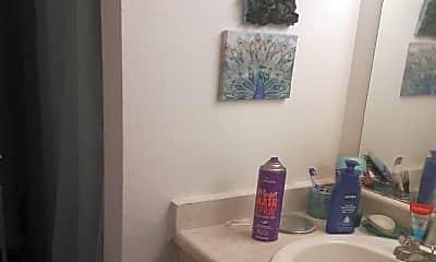 Bathroom, 191 Elk St, 2