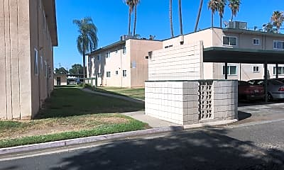 Palm Gardens Apartments, 2