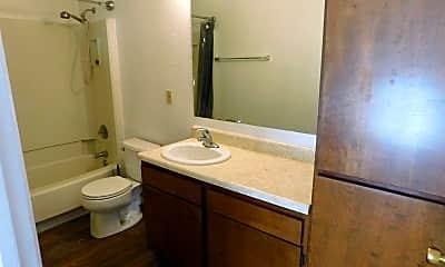 Bathroom, 3290 1/2 Lombardy Ln, 2