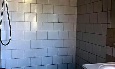 Bathroom, 919 Pine St, 2