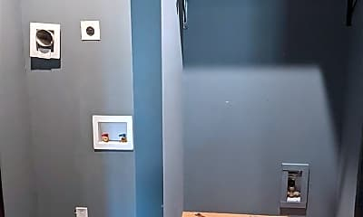 Bathroom, 1000 Calvin St B, 2