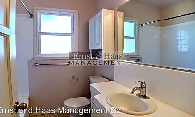 Bathroom, 5203 Briercrest Ave, 2
