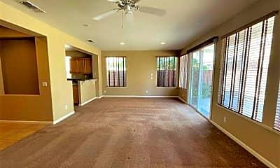 Living Room, 5069 Almanor Dr, 1