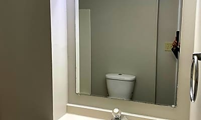 Bathroom, 832 W High St, 2