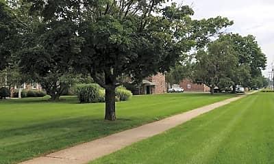 Maurette Manor Apartments, 2