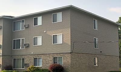 Edgewood Apartments, 2