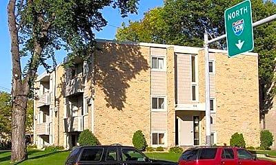 Building, 701 University Ave SE, 1