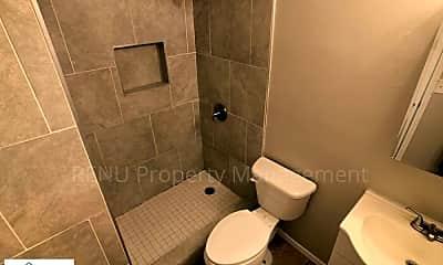 Bathroom, 205 Shenandoah Rd N, 1