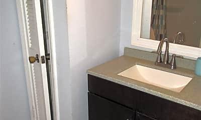 Bathroom, 7804 Oak Forest Dr, 2