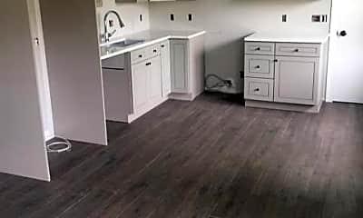 Kitchen, 3019 Edelweiss Rd, 1