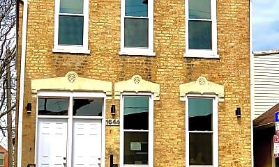 Building, 1644 W Cermak Rd, 2
