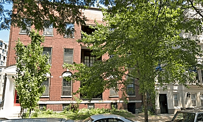 Building, 5131 S Blackstone Ave, 1