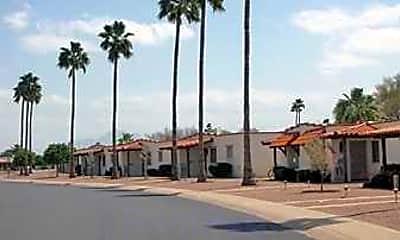 Farnsworth Apartments In Mesa, 1