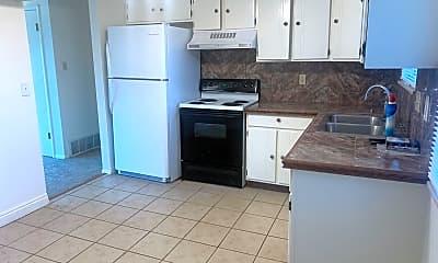 Kitchen, 8243 Brooks Dr, 1