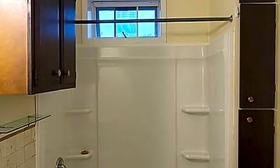 Bathroom, 415 Plum St, 2