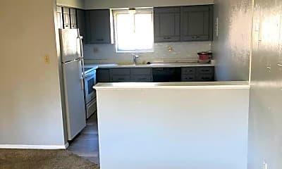 Kitchen, 64 Newport Cir, 1