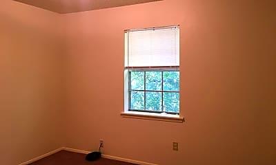 Bedroom, 302 S Green St, 2