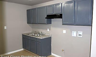 Kitchen, 1034 Matthews St, 1
