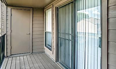 Patio / Deck, Lakebridge, 2