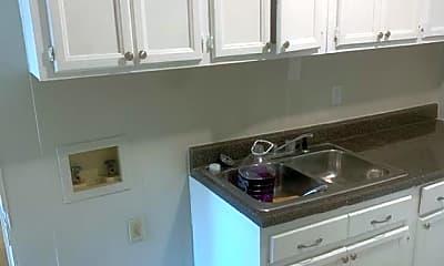 Kitchen, 105 E 11th St SE, 1
