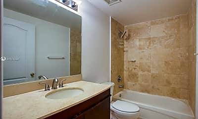 Bathroom, 425 NE 30th St 203, 1