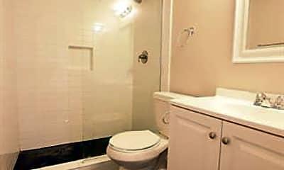 Bathroom, 5408 Reiger Ave 201, 2