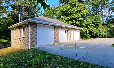 Building, 6199 Washington St, 1