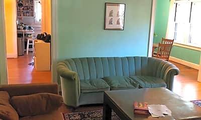 Living Room, 819 N Buchanan Blvd, 1