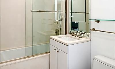 Bathroom, 55 Wall St 930, 2