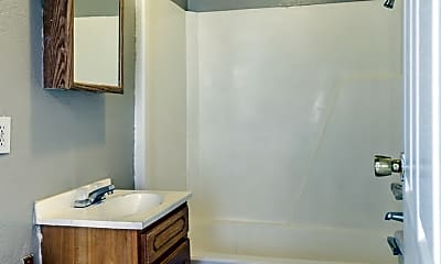Bathroom, 3425 Tennessee Ave, 2