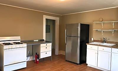 Kitchen, 507 E Maple St, 1