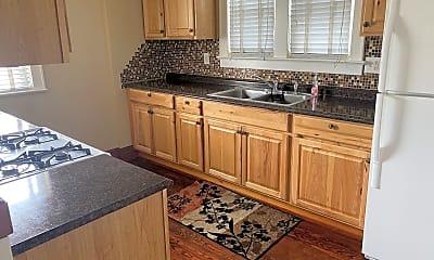 Kitchen, 99 Short St, 1