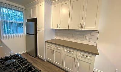 Kitchen, 3373 Overland Ave, 1