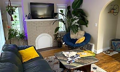 Living Room, 621 Charles St, 1