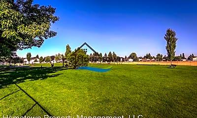 Playground, 3915 W Laurel Ave, 2
