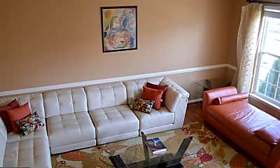 Living Room, 2833 Settlers View Dr, 1