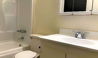 Bathroom, 715 Mary St, 2