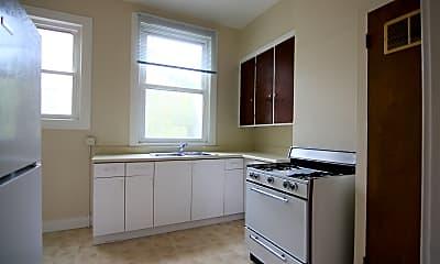 Kitchen, 616 Shrader St, 2
