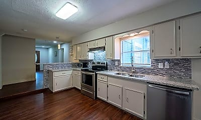 Kitchen, Room for Rent - Live in Northeast Houston, 0