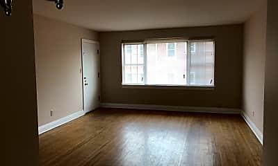 Living Room, 2079 Douglass Blvd, 1
