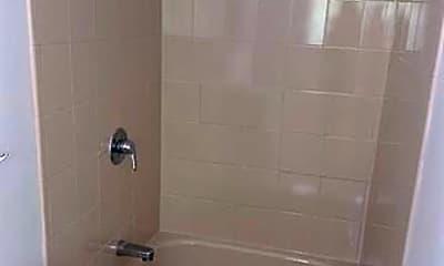 Bathroom, 927 Spencer St 2, 2