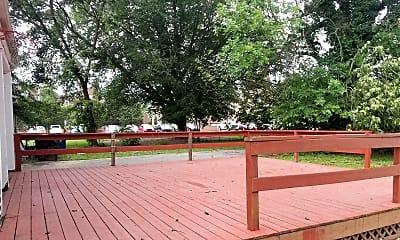 Patio / Deck, 82 E Park Pl, 1