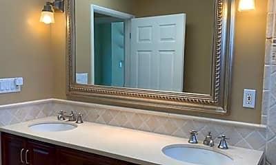 Bathroom, 1114 Parkwood Way, 2