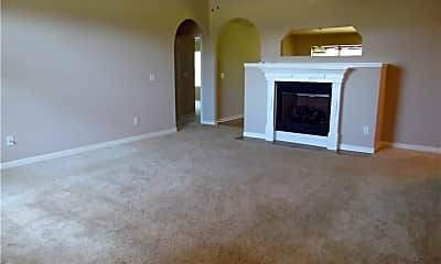 Living Room, 460 Kate Dr, 1