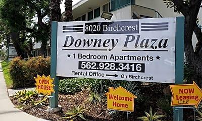 Downey Plaza, 1