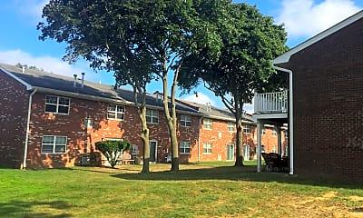 Woodhull Gardens, 2
