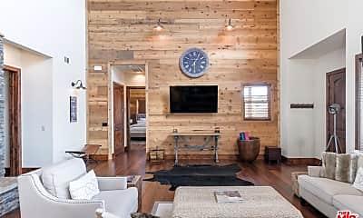 Living Room, 7261 O'Donovan Rd, 1