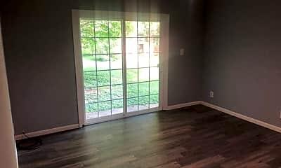 Living Room, 315 Elmwood St, 1