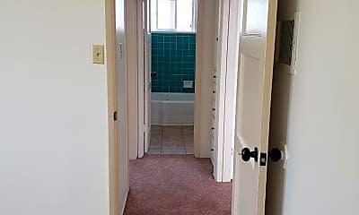 Bathroom, 20 N Dos Caminos Ave, 2